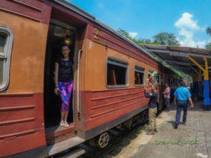Cesta vlakom do Kandy