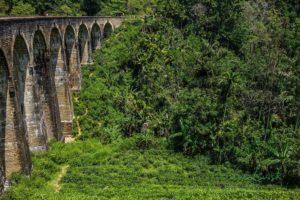 Nine Arch Bridge v Ella
