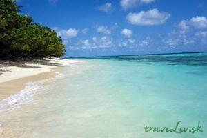 bikini beach Rasdhoo